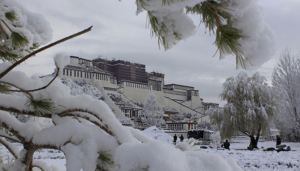 Potota Palace in the snow